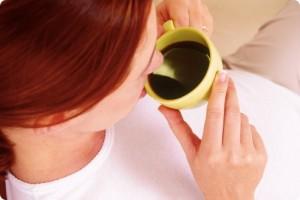 実は危険!?授乳中ママが知っておくべきカフェインのリスクとは?
