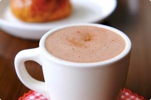 心温まるココアに隠されたカフェインの秘密と落とし穴とは?