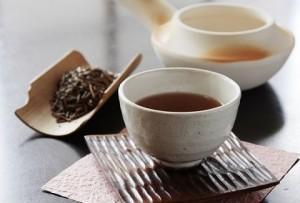 ほうじ茶はカフェインが少ないの?知って得するほうじ茶パワーとは?